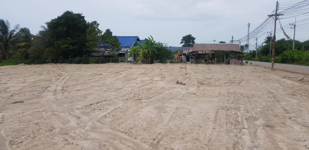 Luxury Hua Hin Property Agency's Lovely Plot of 1 Rai of Land For Sale 4