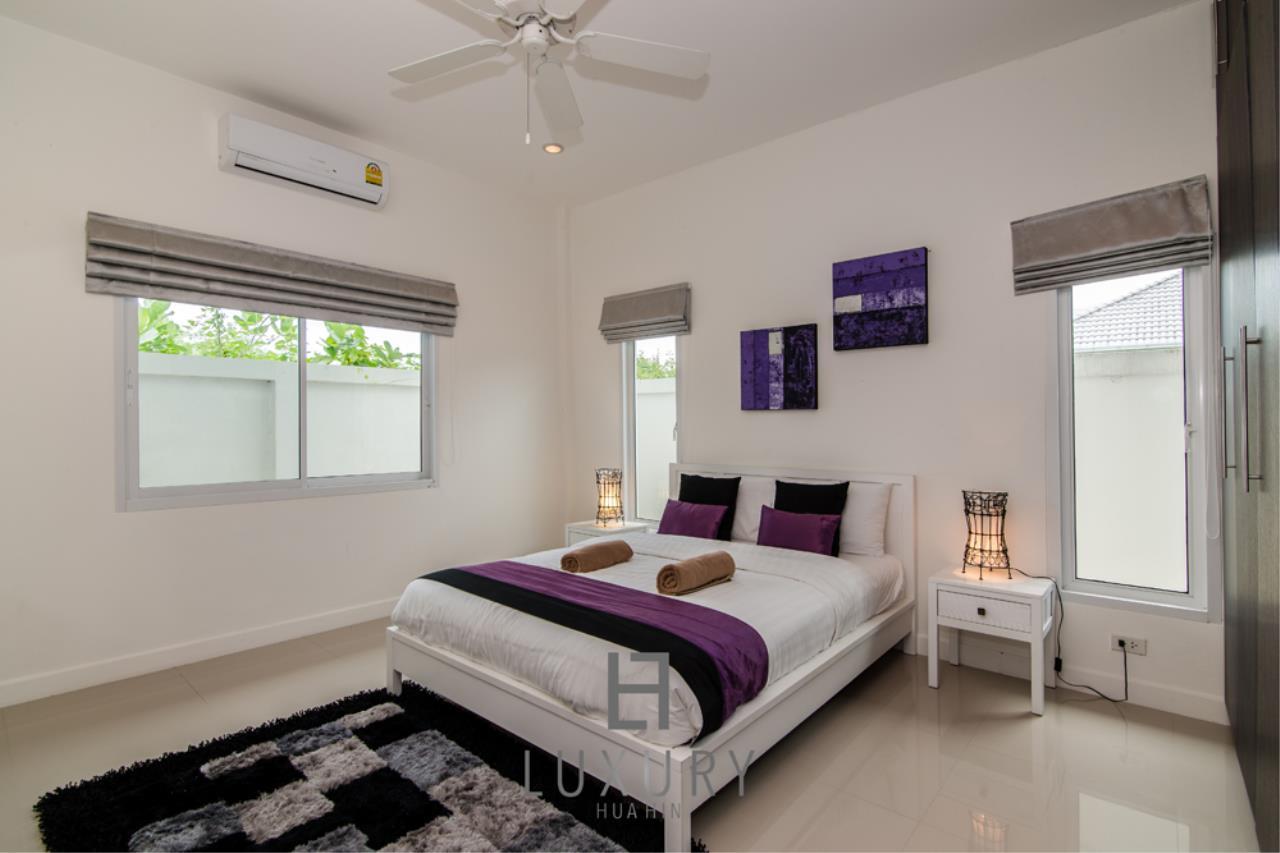 Luxury Hua Hin Property Agency's 4 Bedroom Pool Villa 19