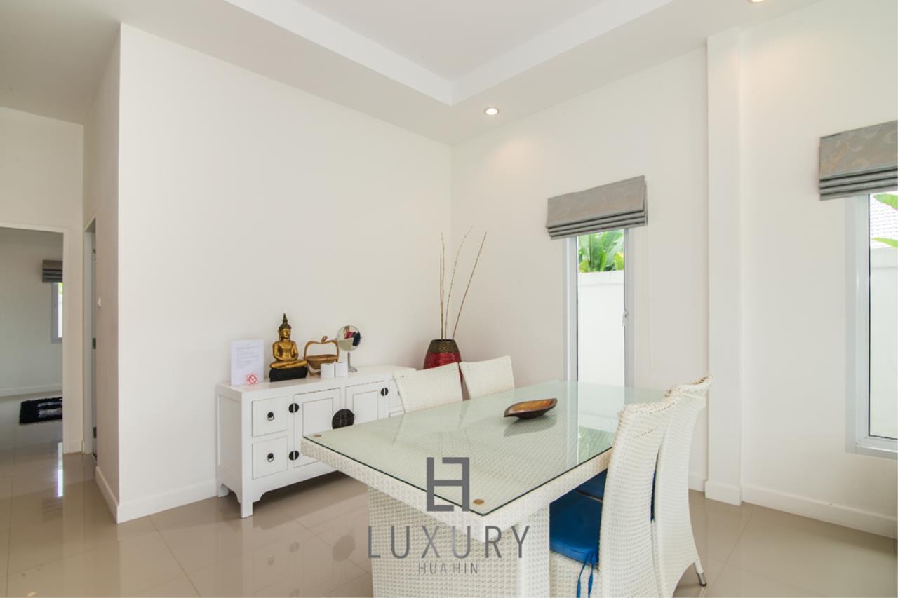Luxury Hua Hin Property Agency's 4 Bedroom Pool Villa 11