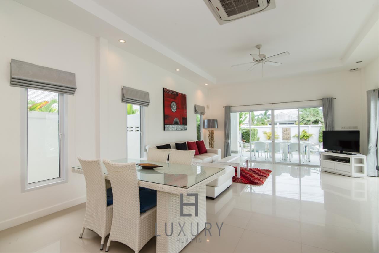 Luxury Hua Hin Property Agency's 4 Bedroom Pool Villa 12