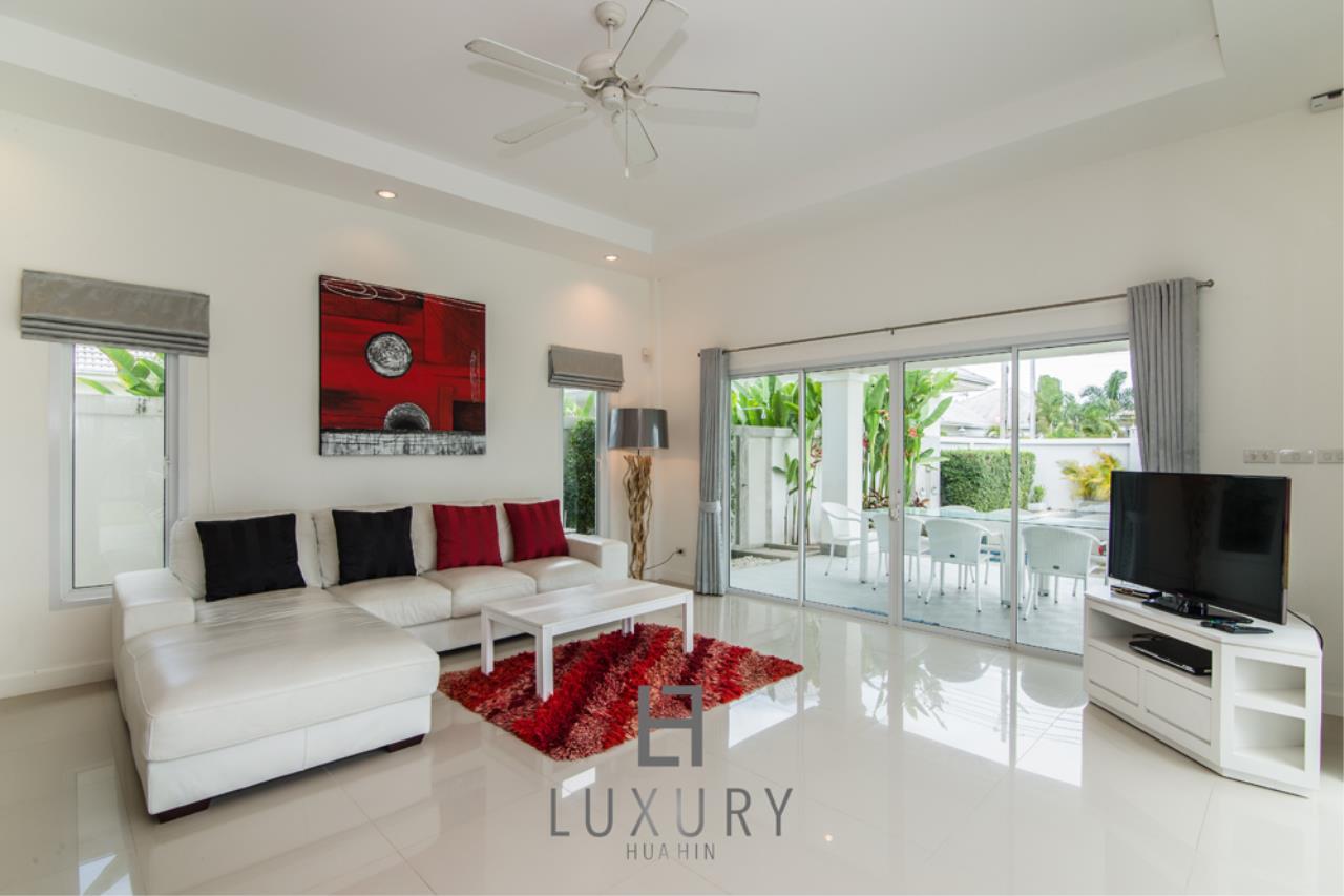 Luxury Hua Hin Property Agency's 4 Bedroom Pool Villa 14