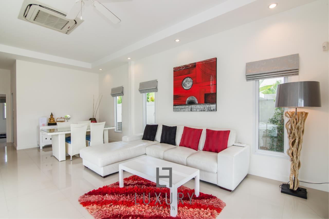 Luxury Hua Hin Property Agency's 4 Bedroom Pool Villa 13