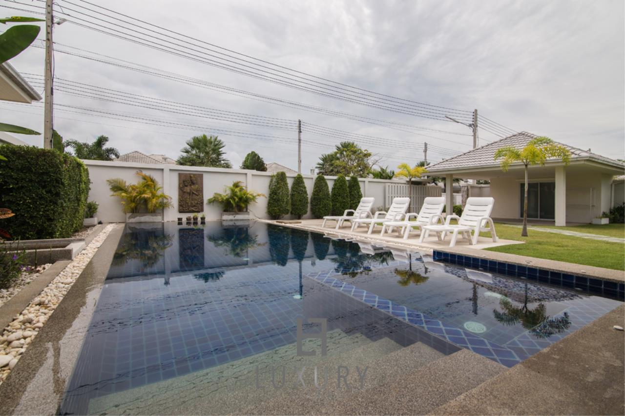 Luxury Hua Hin Property Agency's 4 Bedroom Pool Villa 4