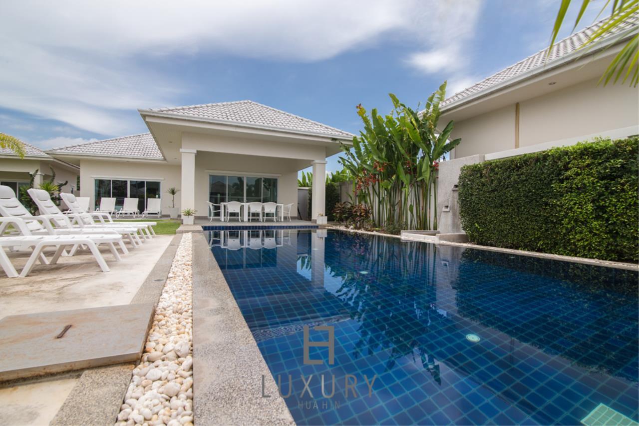 Luxury Hua Hin Property Agency's 4 Bedroom Pool Villa 3