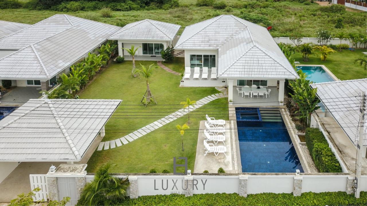 Luxury Hua Hin Property Agency's 4 Bedroom Pool Villa 1