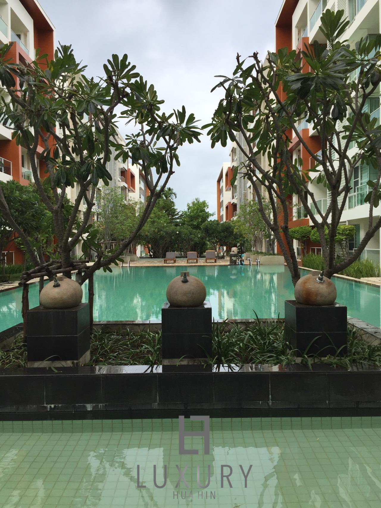 Luxury Hua Hin Property Agency's Great 1 Bedroom Pool View Condo 1