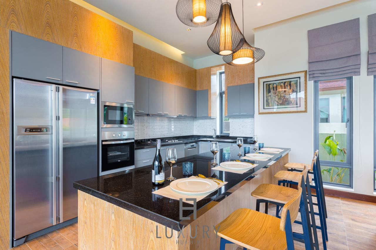 Luxury Hua Hin Property Agency's New Development - Well Designed 3 Bedroom Pool Villa  7