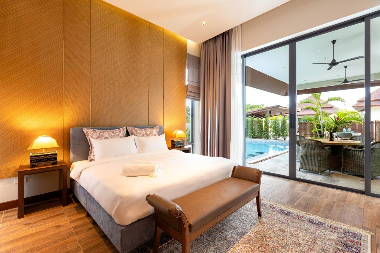 Luxury Hua Hin Property Agency's New Development - Well Designed 3 Bedroom Pool Villa  14
