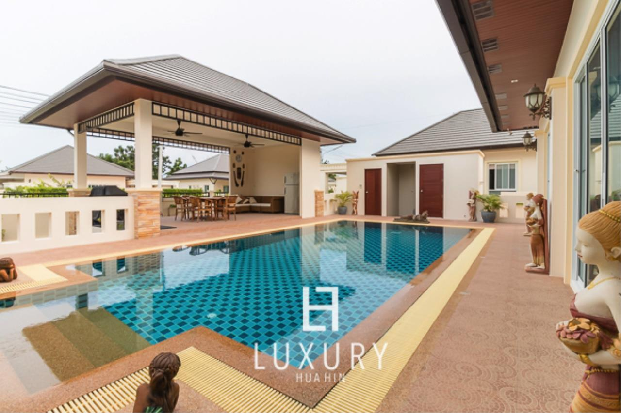 Luxury Hua Hin Property Agency's 3 Bedroom L Shaped pool villa 3