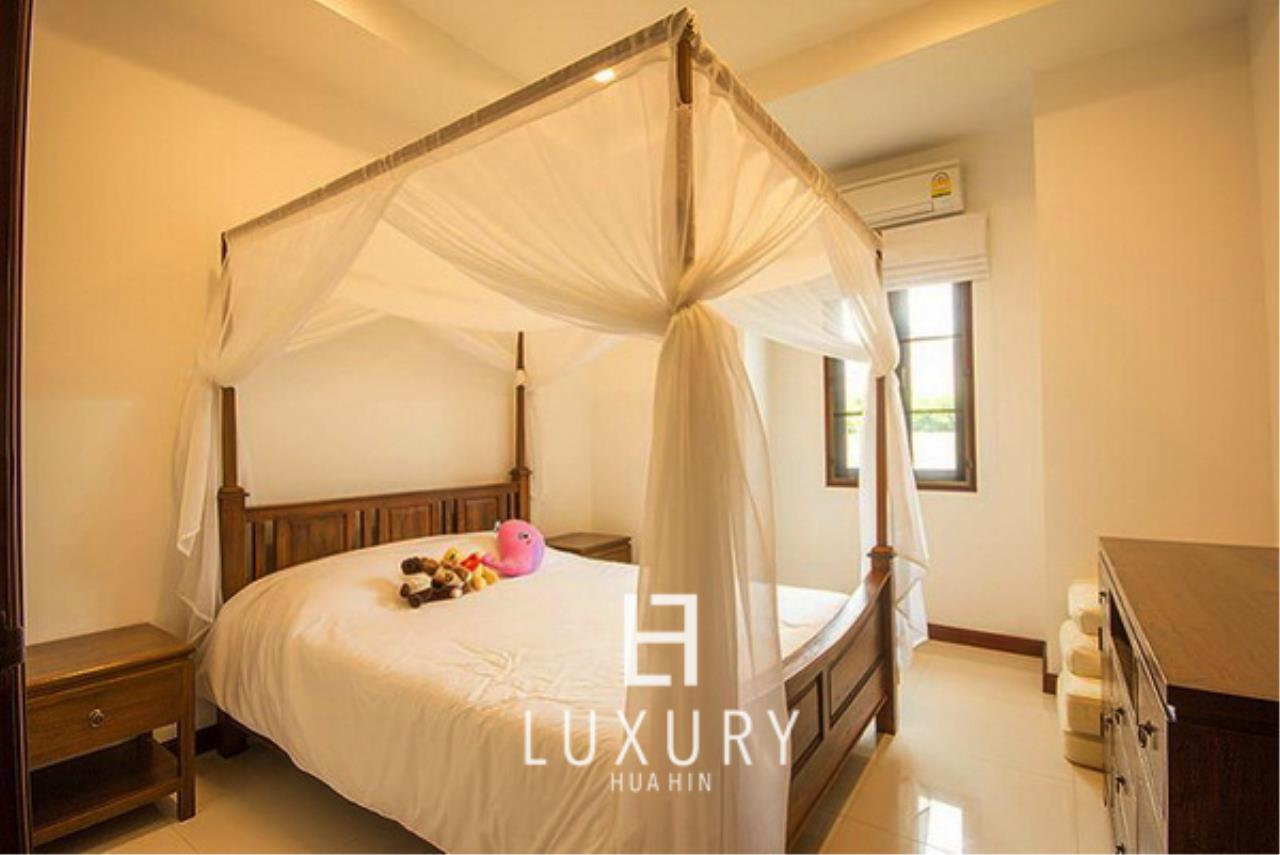 Luxury Hua Hin Property Agency's Bali Style 3 Bedroom Pool Villa 10