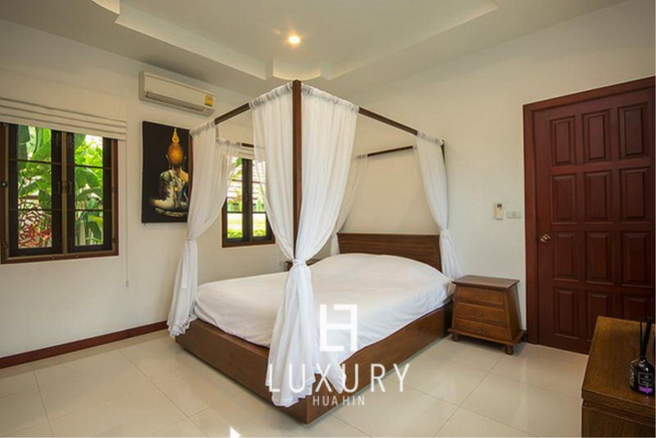Luxury Hua Hin Property Agency's Bali Style 3 Bedroom Pool Villa 7