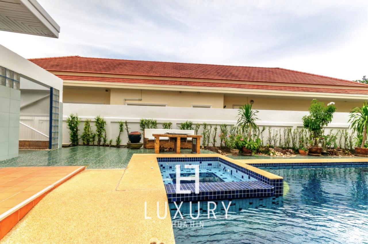 Luxury Hua Hin Property Agency's Large 4 Bedroom Villa  4