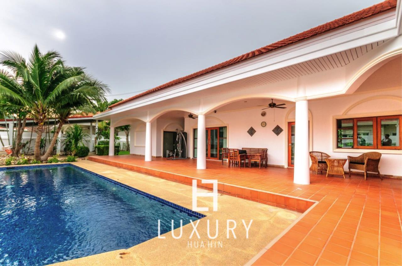 Luxury Hua Hin Property Agency's Large 4 Bedroom Villa  2