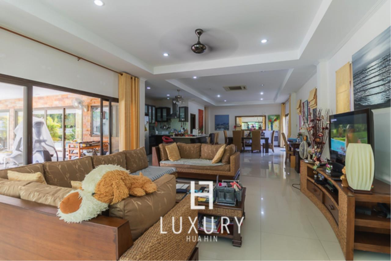 Luxury Hua Hin Property Agency's 3 Bedroom Pool Villa  6