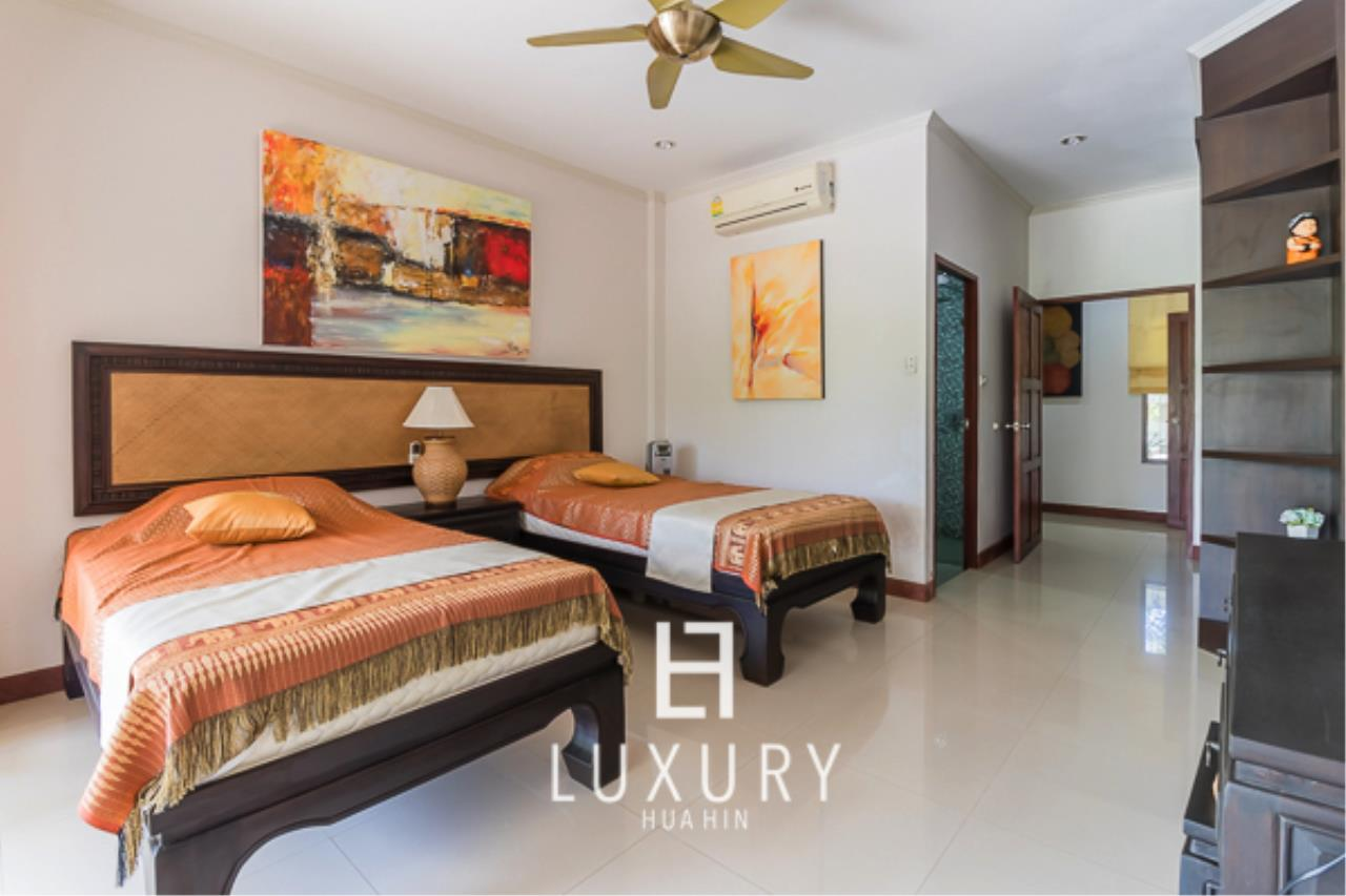 Luxury Hua Hin Property Agency's 3 Bedroom Pool Villa  10