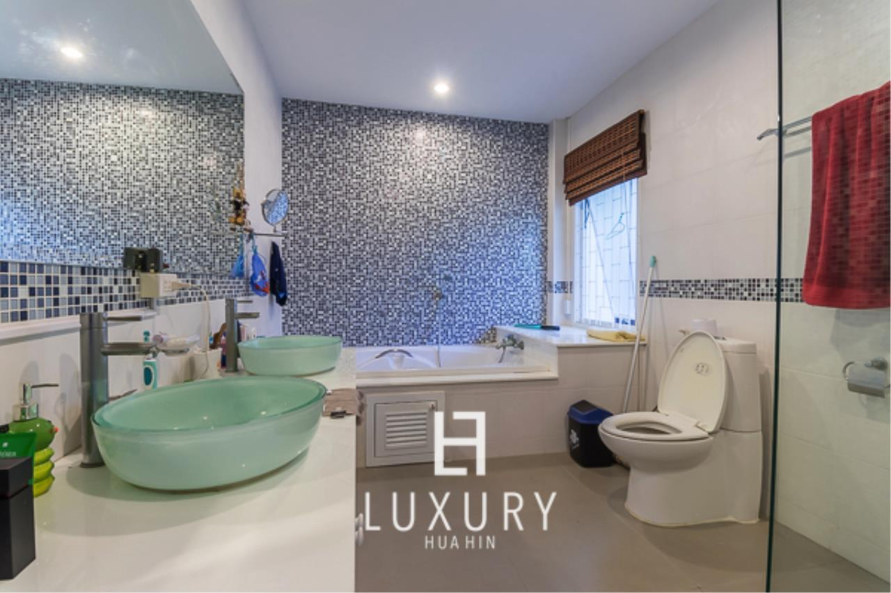 Luxury Hua Hin Property Agency's 3 Bedroom Pool Villa  8