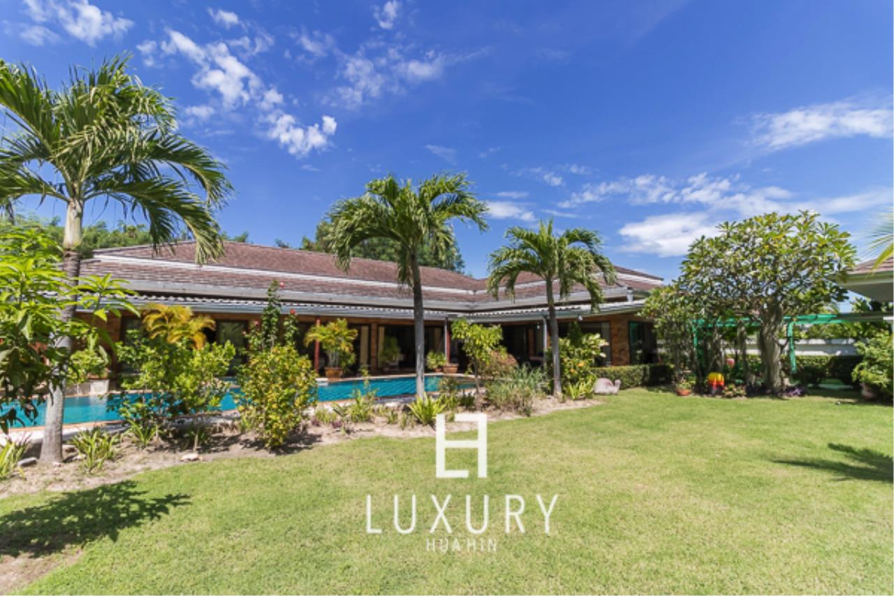 Luxury Hua Hin Property Agency's 3 Bedroom Pool Villa  4