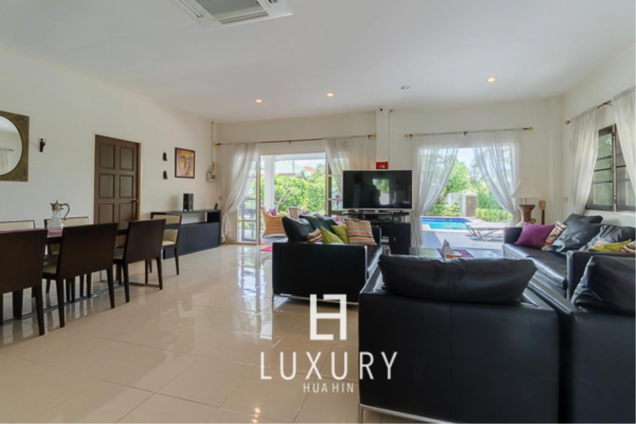 Luxury Hua Hin Property Agency's 3 Bedroom Pool Villa Close to Town 7