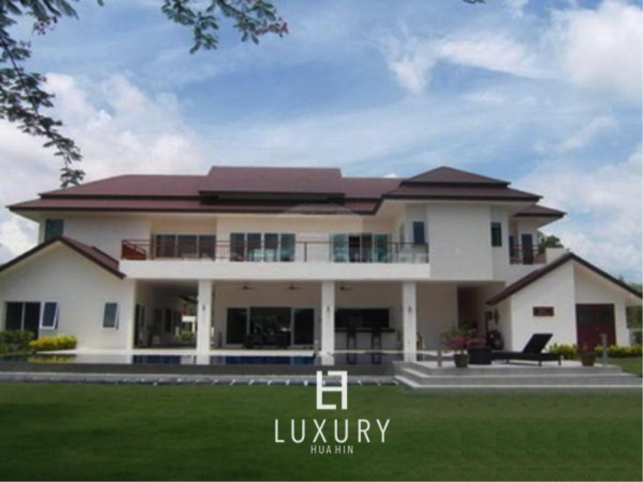 Luxury Hua Hin Property Agency's Luxury 5 Bedroom Pool Villa  1