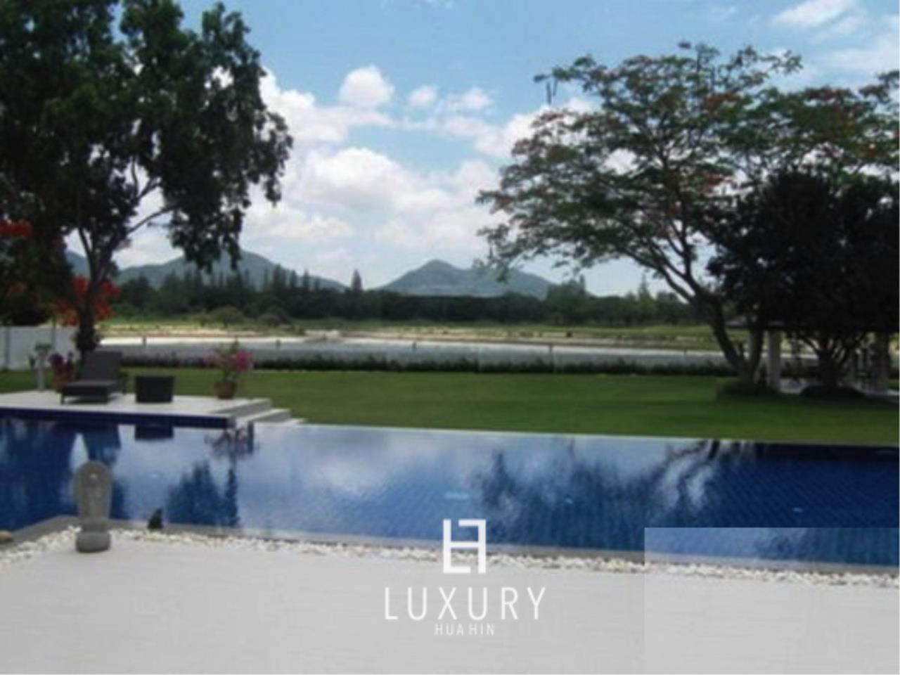 Luxury Hua Hin Property Agency's Luxury 5 Bedroom Pool Villa  4