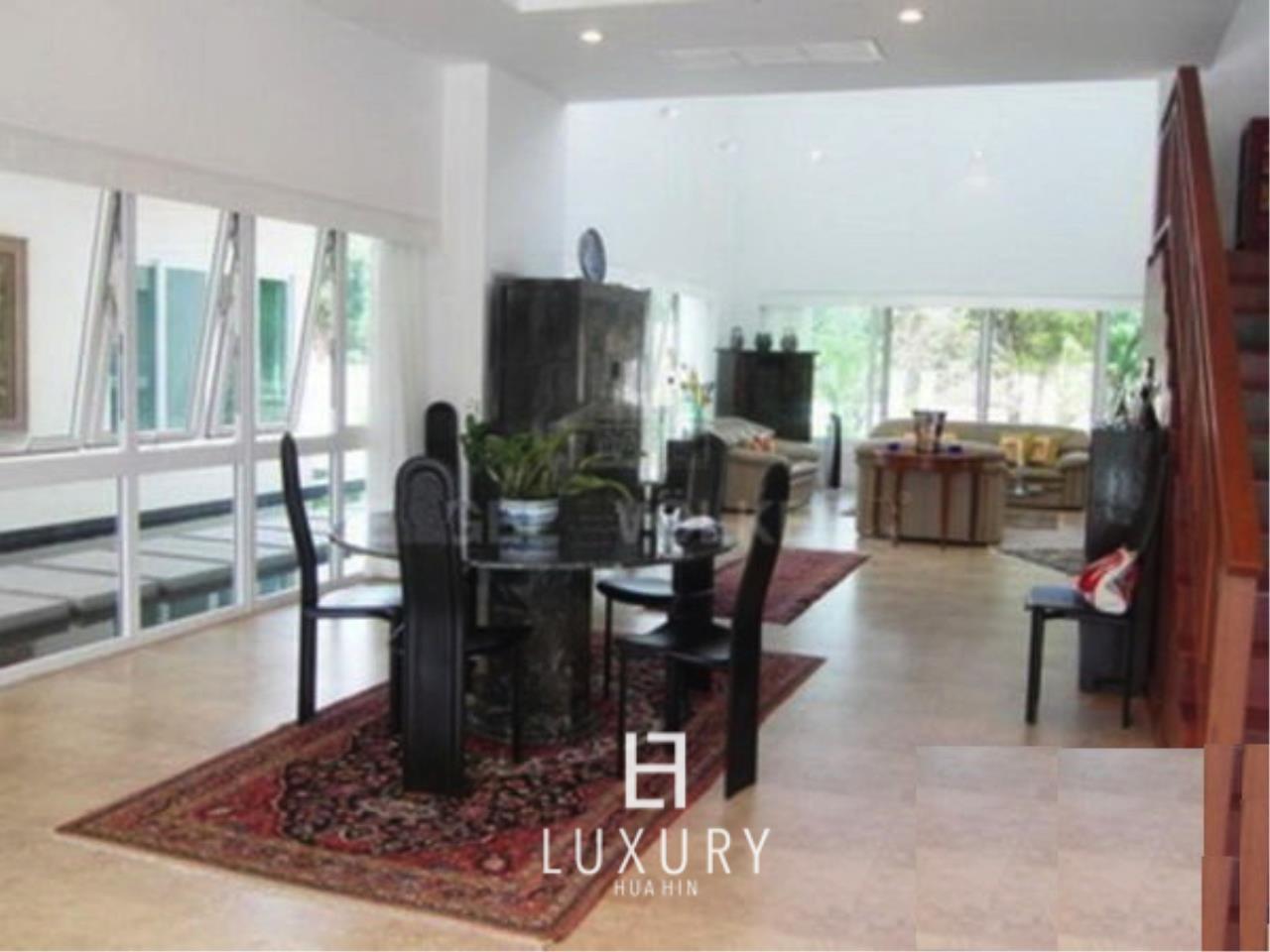 Luxury Hua Hin Property Agency's Luxury 5 Bedroom Pool Villa  7