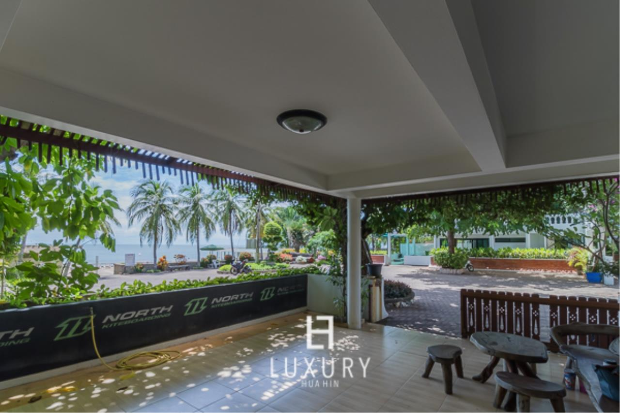 Luxury Hua Hin Property Agency's Beachfront Location 4 Bedroom Townhouse 3