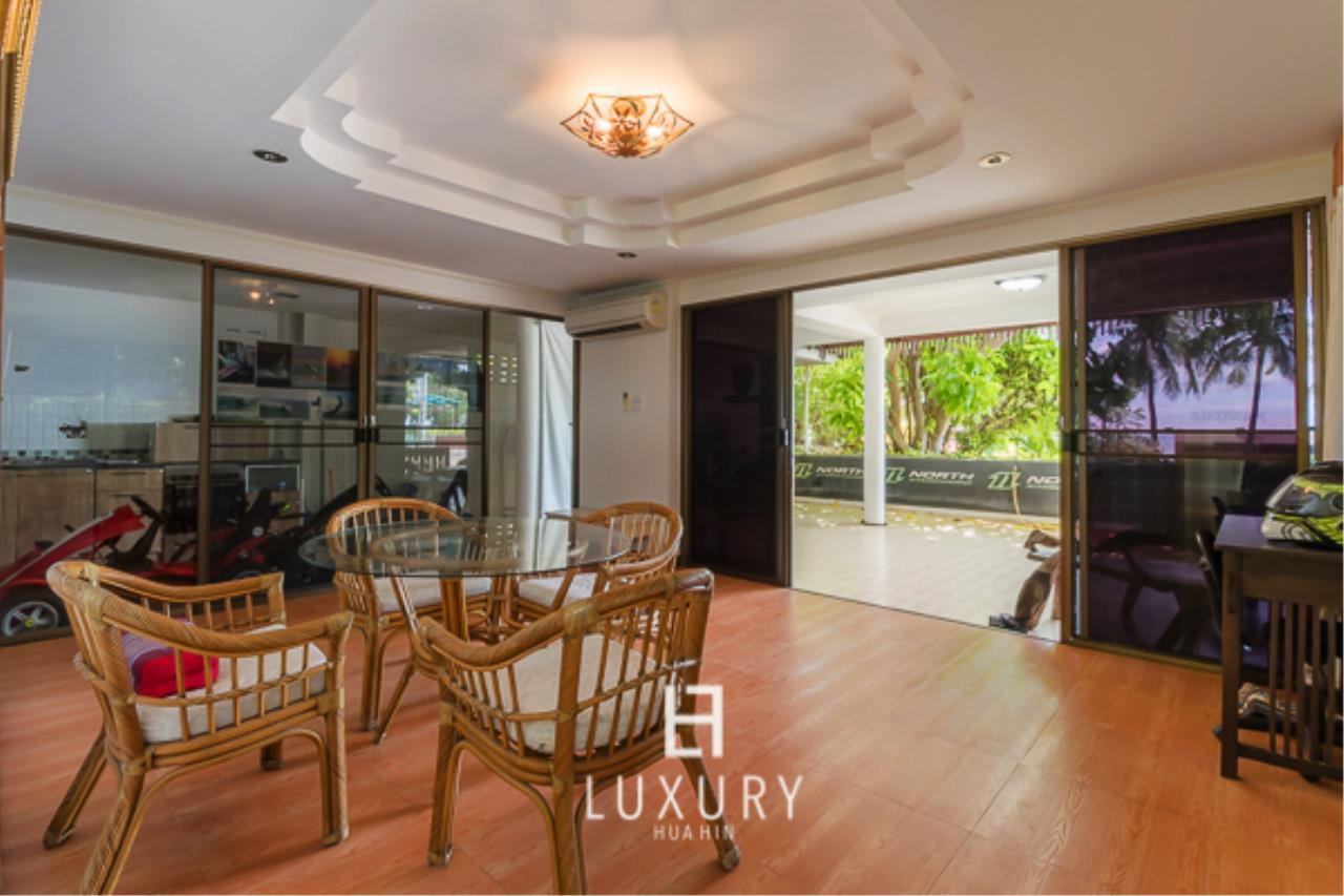 Luxury Hua Hin Property Agency's Beachfront Location 4 Bedroom Townhouse 5