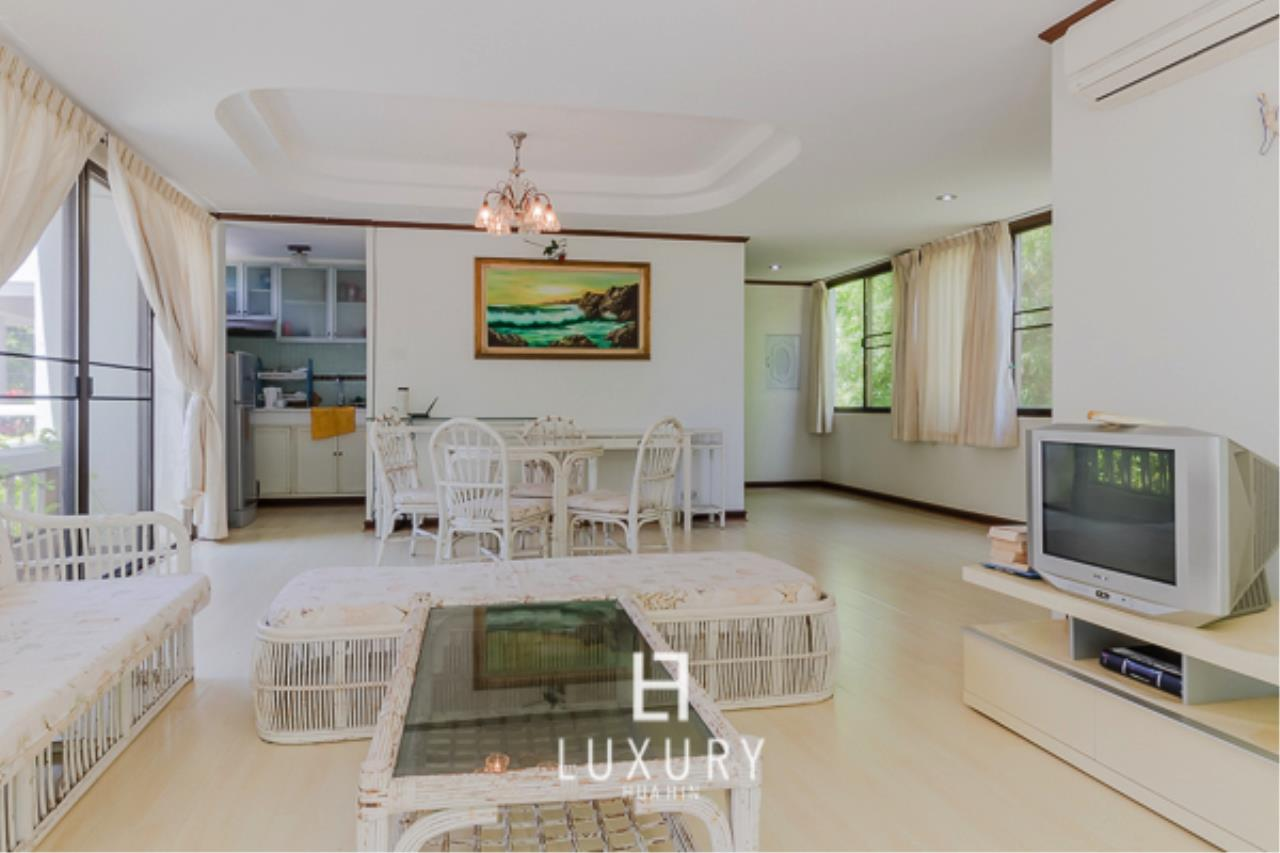 Luxury Hua Hin Property Agency's Beachfront Location 4 Bedroom Townhouse 7