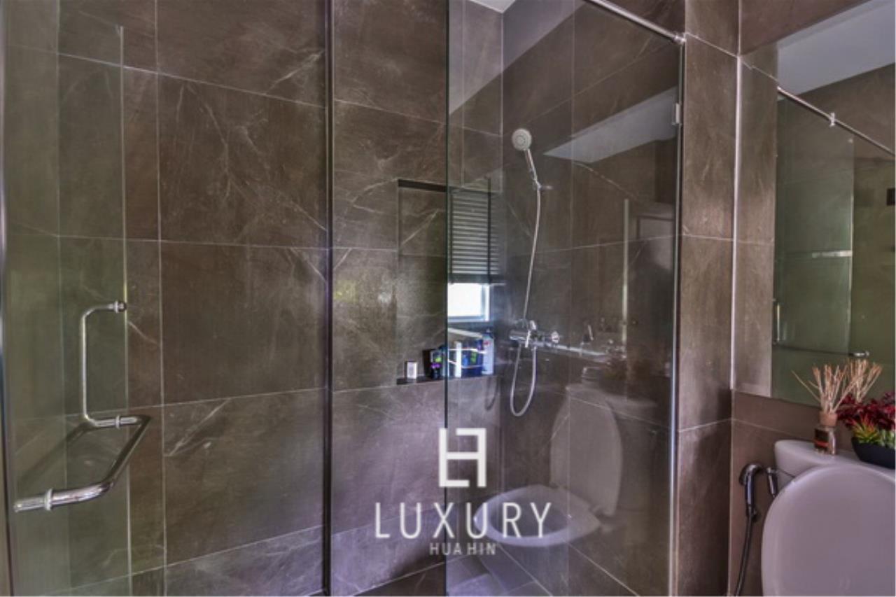Luxury Hua Hin Property Agency's Beautiful 3 Bedroom Pool Villa 11