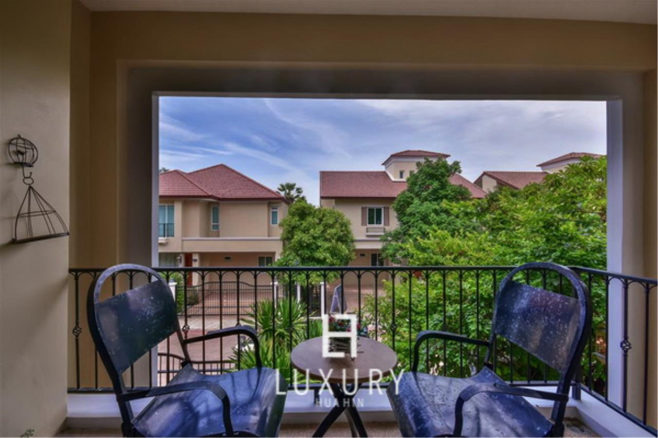 Luxury Hua Hin Property Agency's Beautiful 3 Bedroom Pool Villa 5