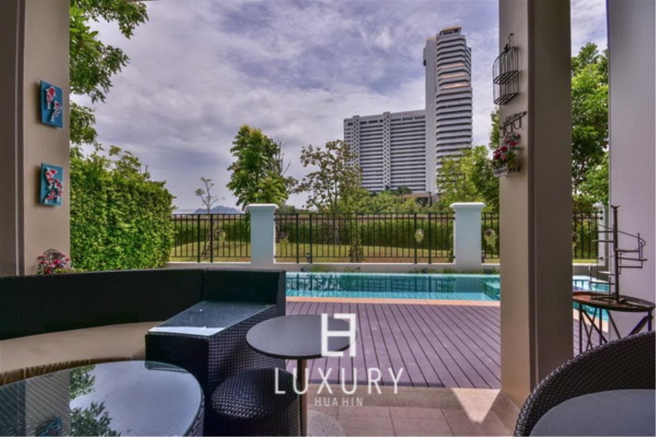 Luxury Hua Hin Property Agency's Beautiful 3 Bedroom Pool Villa 6
