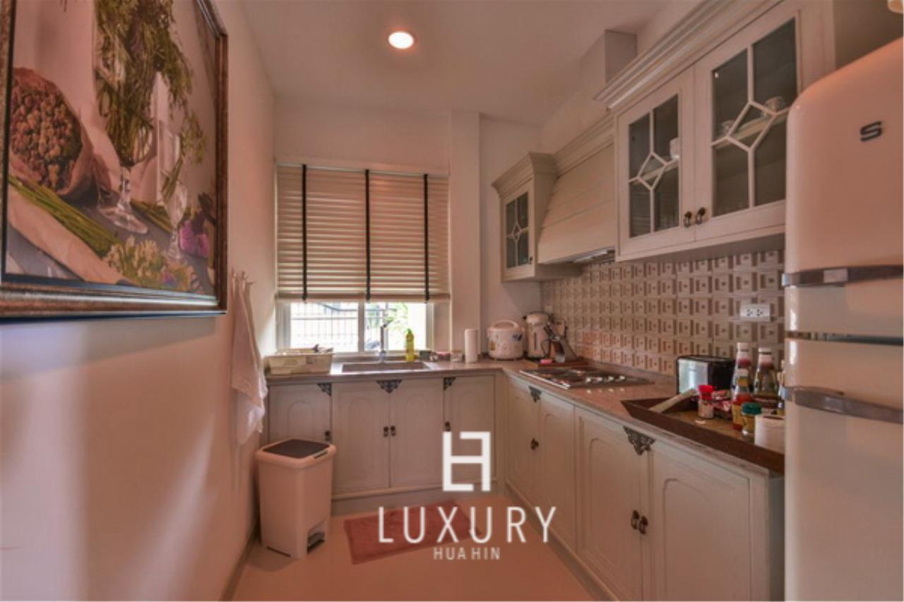 Luxury Hua Hin Property Agency's Beautiful 3 Bedroom Pool Villa 7