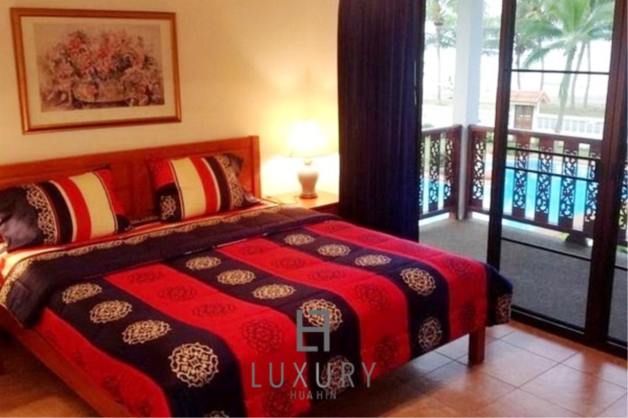 Luxury Hua Hin Property Agency's Beachfront 2 storey Villas on 2 Rai of Land 15