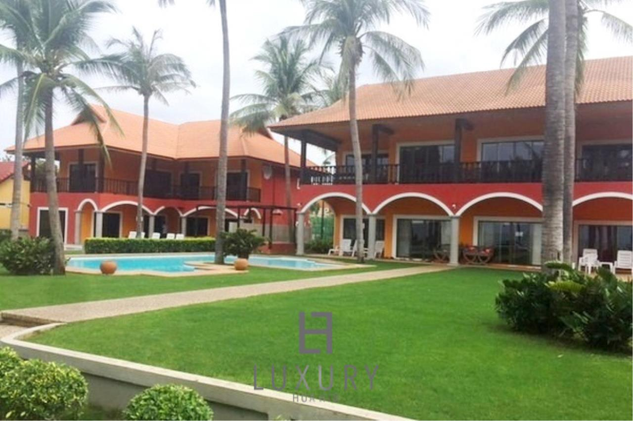 Luxury Hua Hin Property Agency's Beachfront 2 storey Villas on 2 Rai of Land 4