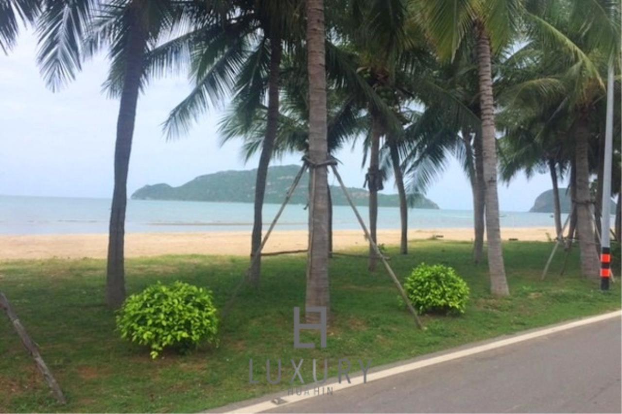 Luxury Hua Hin Property Agency's Beachfront 2 storey Villas on 2 Rai of Land 21