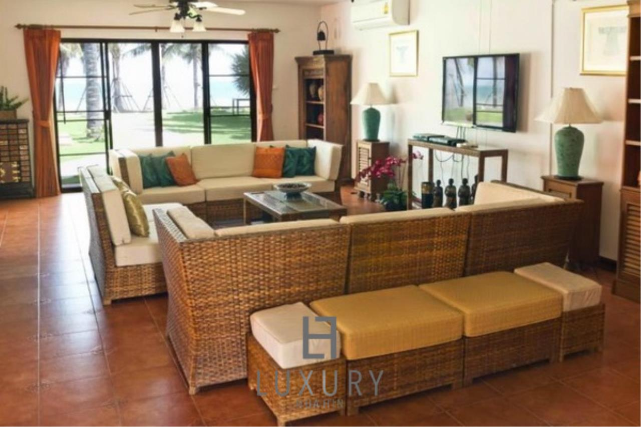 Luxury Hua Hin Property Agency's Beachfront 2 storey Villas on 2 Rai of Land 10