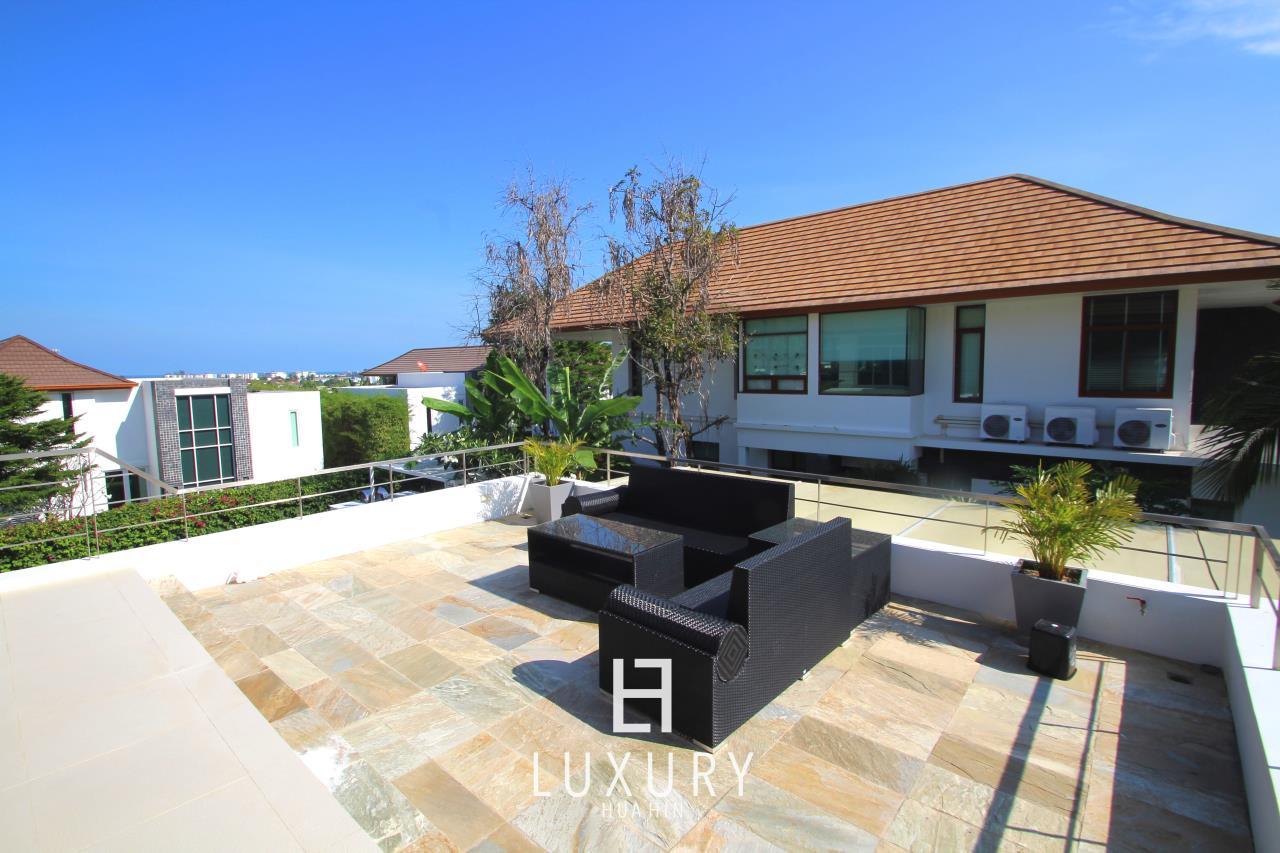 Luxury Hua Hin Property Agency's Luxury 5 Bedroom Pool Villa  8