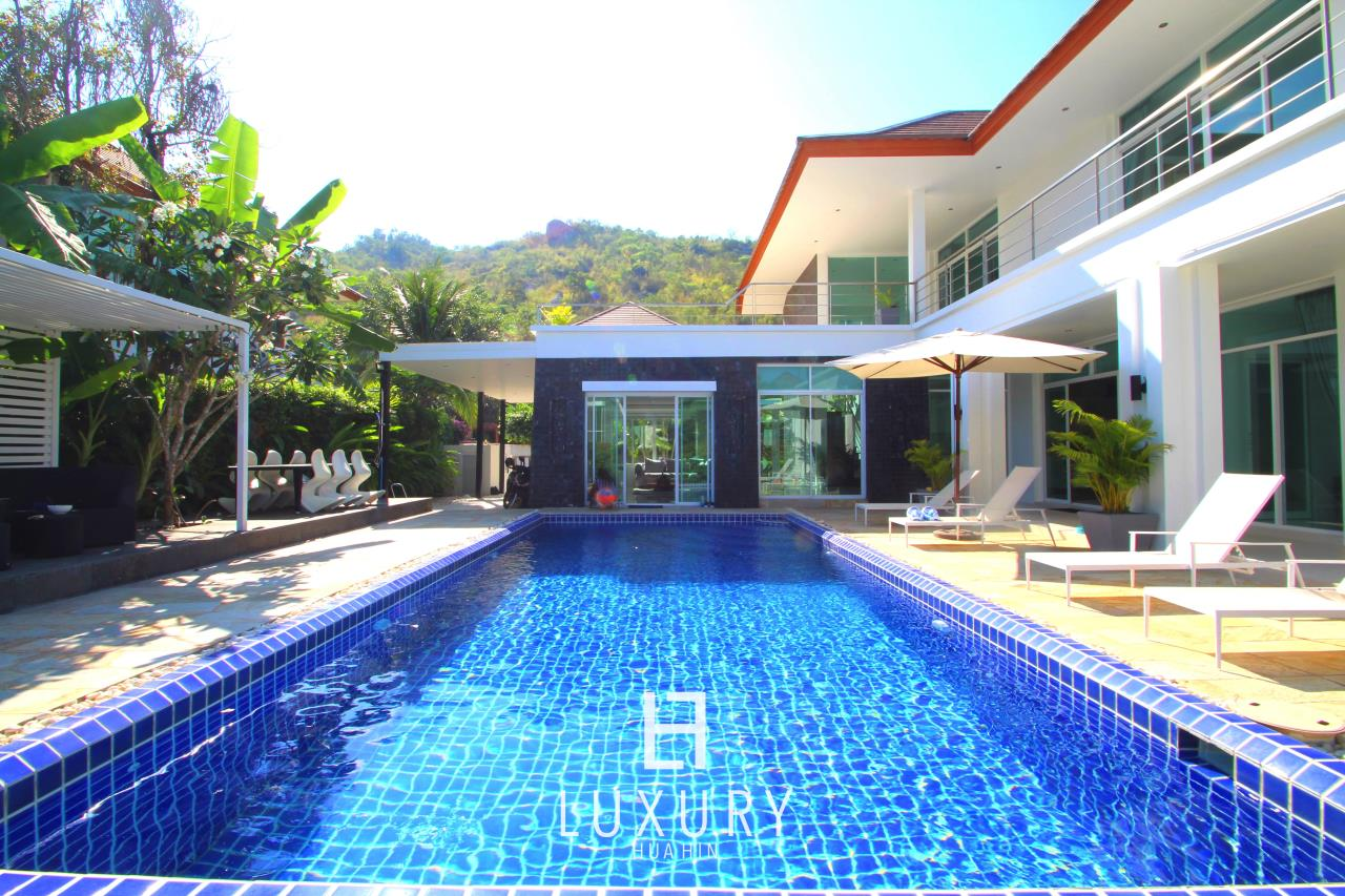 Luxury Hua Hin Property Agency's Luxury 5 Bedroom Pool Villa  5