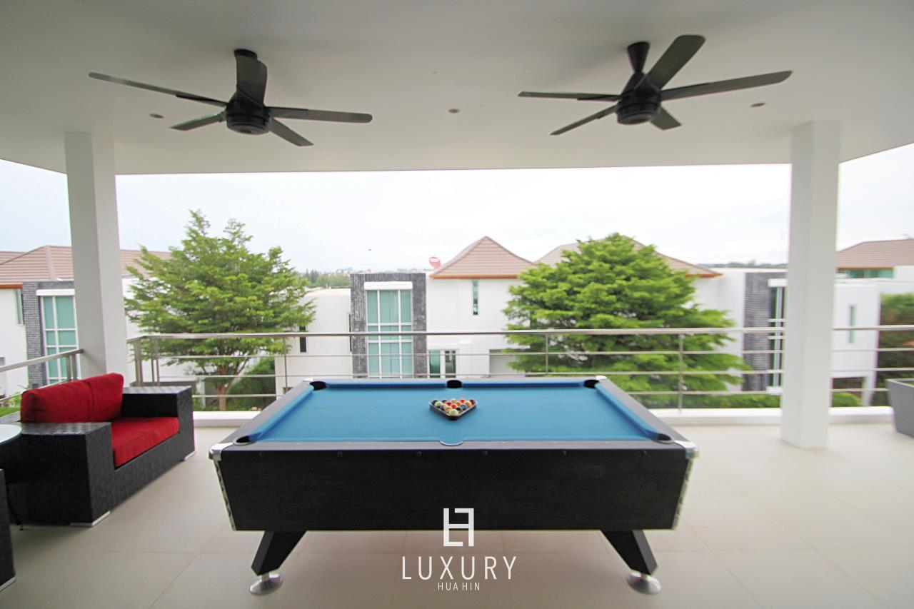 Luxury Hua Hin Property Agency's Luxury 5 Bedroom Pool Villa  10