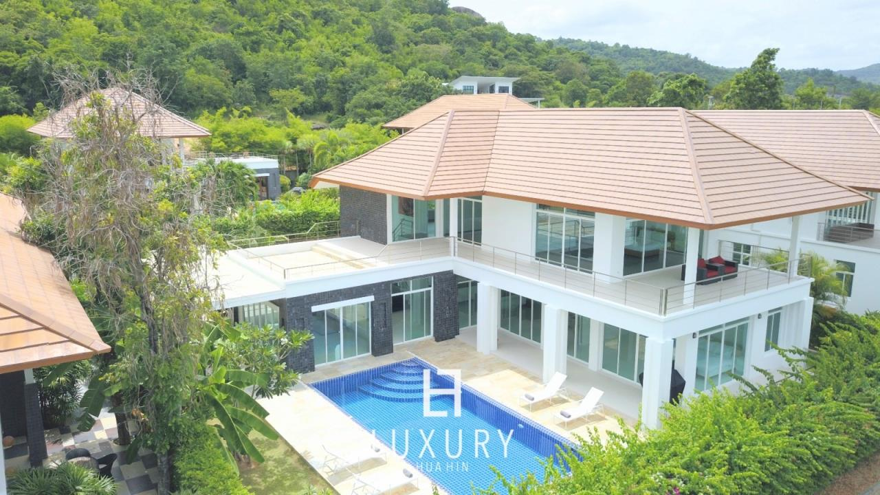 Luxury Hua Hin Property Agency's Luxury 5 Bedroom Pool Villa  1