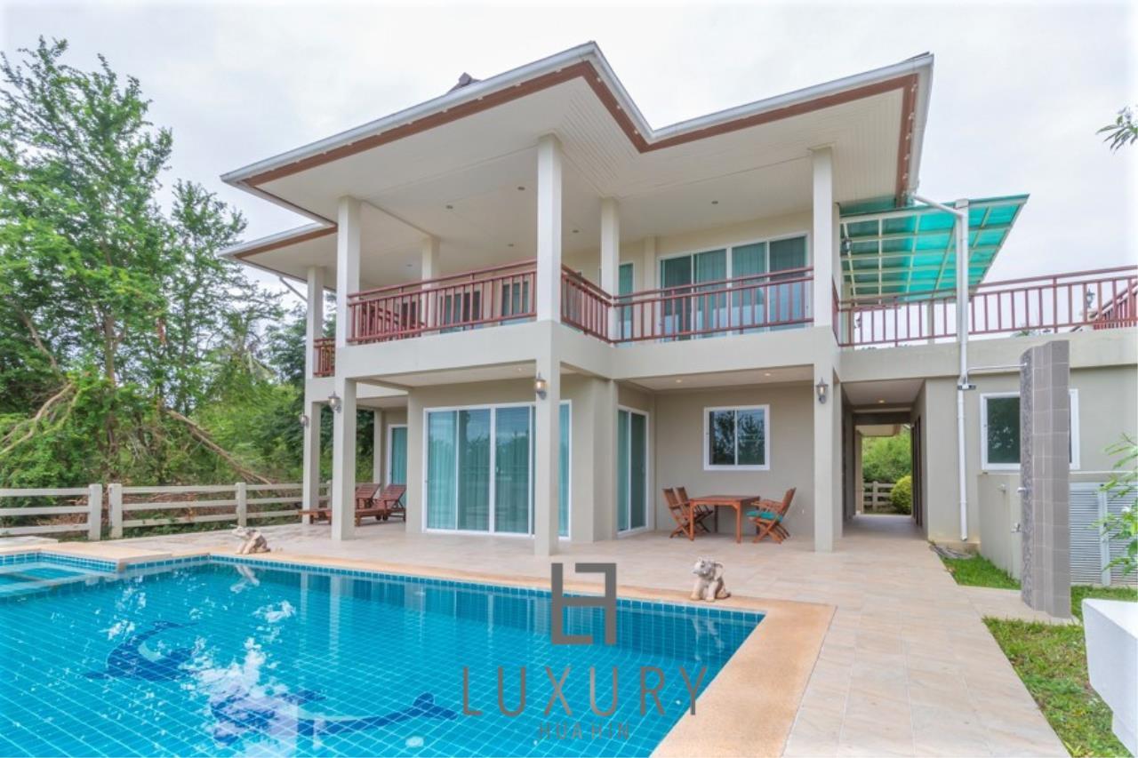 Luxury Hua Hin Property Agency's 3 Bedroom Pool Villa 1