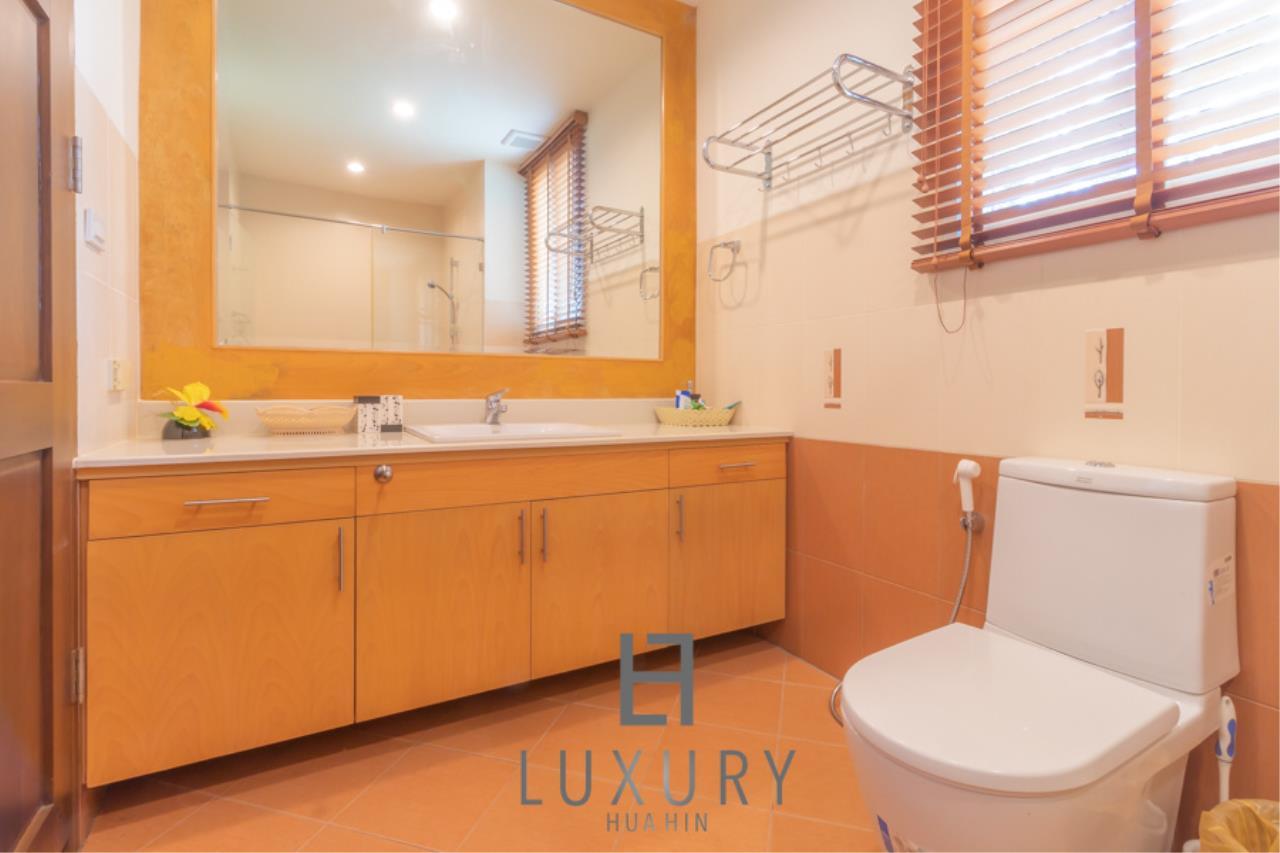 Luxury Hua Hin Property Agency's 3 Bedroom Pool Villa 13