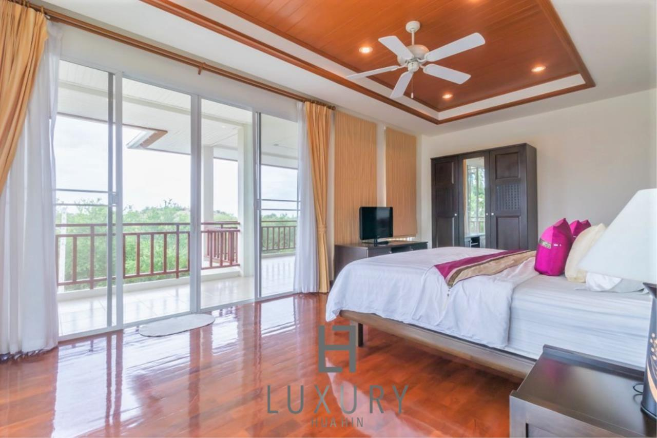 Luxury Hua Hin Property Agency's 3 Bedroom Pool Villa 17