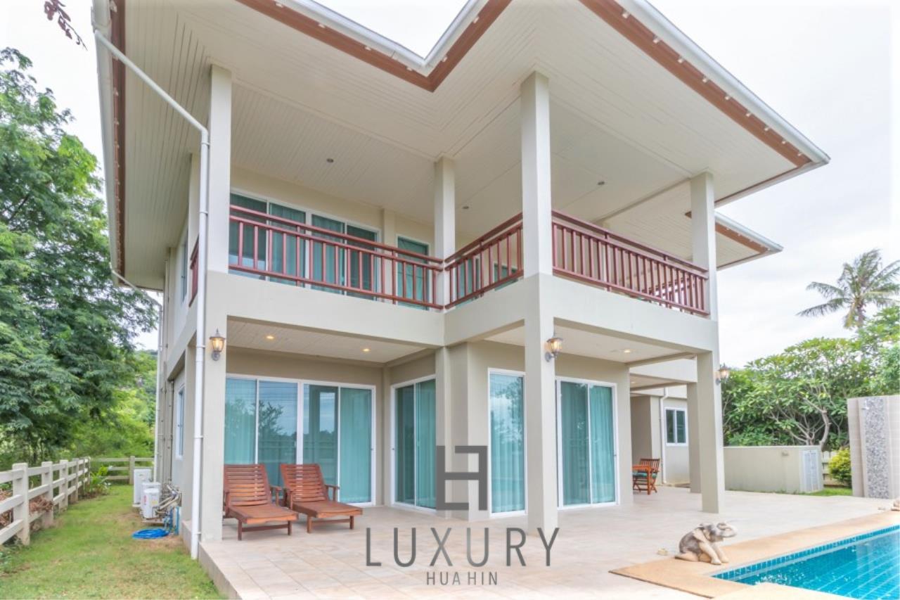 Luxury Hua Hin Property Agency's 3 Bedroom Pool Villa 2