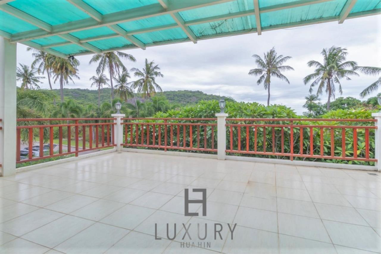 Luxury Hua Hin Property Agency's 3 Bedroom Pool Villa 20