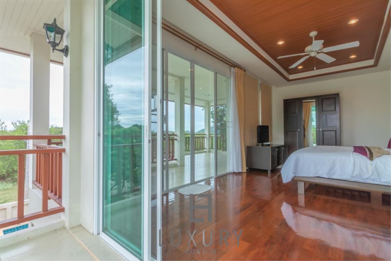 Luxury Hua Hin Property Agency's 3 Bedroom Pool Villa 21