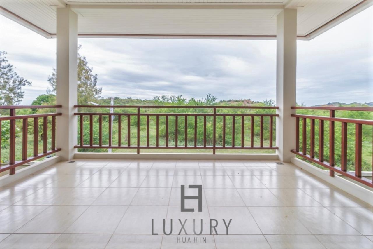 Luxury Hua Hin Property Agency's 3 Bedroom Pool Villa 23