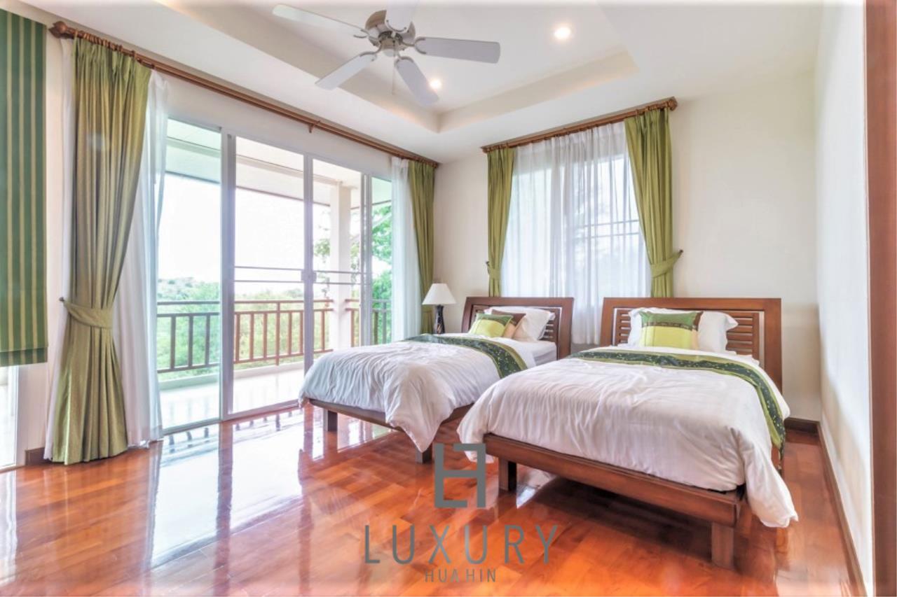 Luxury Hua Hin Property Agency's 3 Bedroom Pool Villa 24