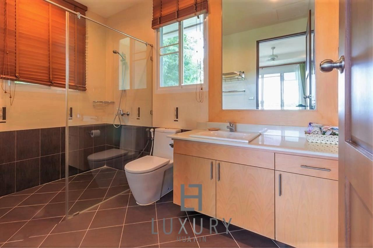 Luxury Hua Hin Property Agency's 3 Bedroom Pool Villa 26