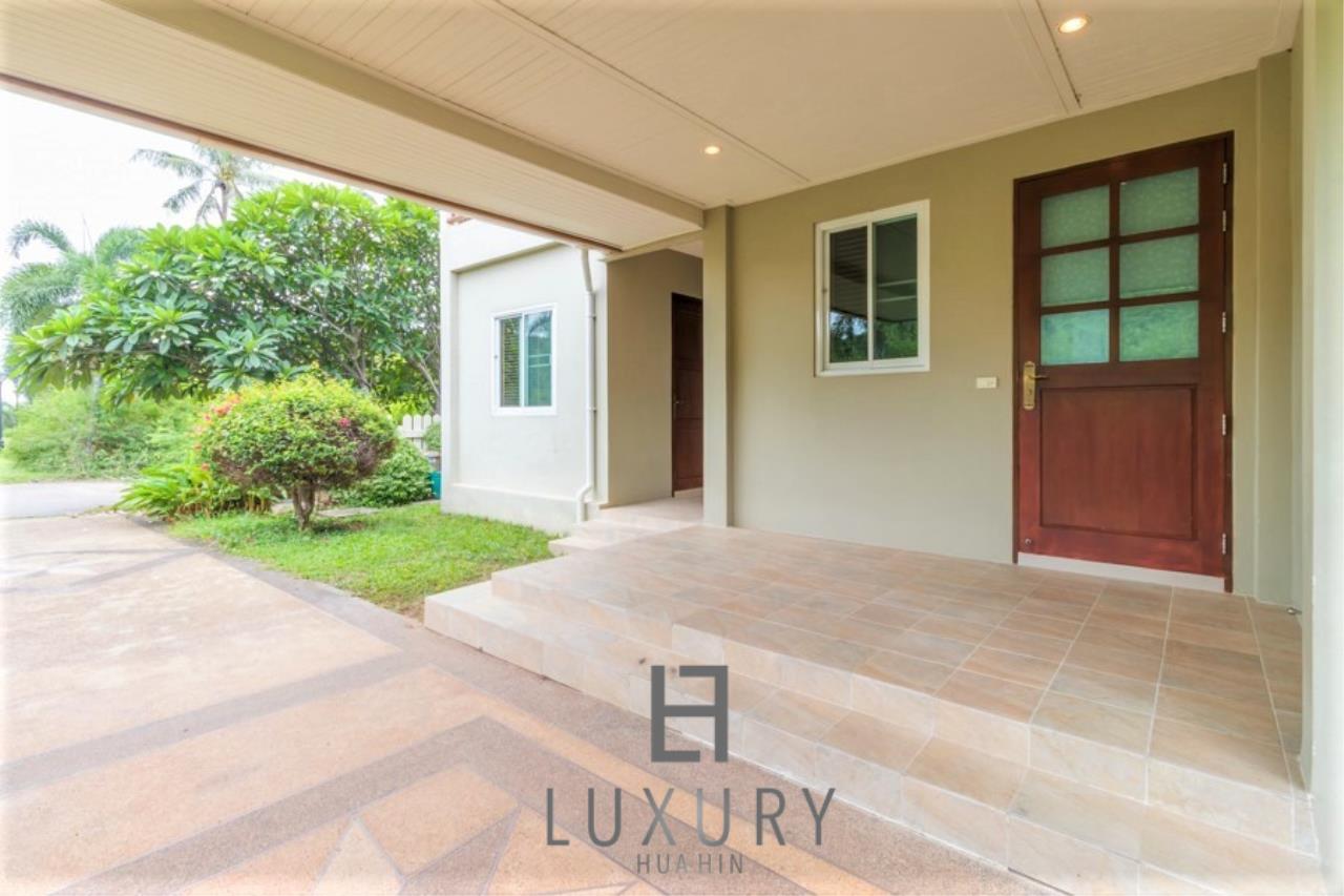Luxury Hua Hin Property Agency's 3 Bedroom Pool Villa 32